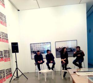 Els quatre membres del projecte minuts abans de l'inici de la roda de premsa