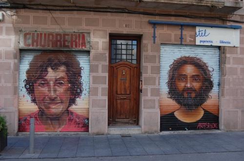 Els veïns s'han retratat als carrers de Poblenou per mostrar la necessitat de pensar en un barri per les persones.