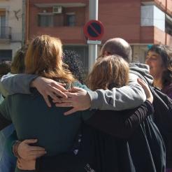 Abraçada dels organitzadors tot just després de la Performance